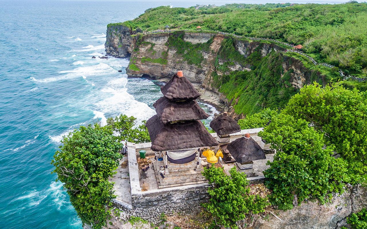 Храм Пура Лухур Улувату на Бали