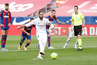 ملخص واهداف مباراة برشلونة وريال مدريد (3-1) في الدوري الاسباني