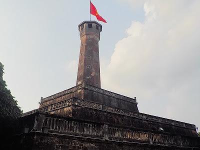 ベトナムタバコのパッケージに描かれたハノイ・フラッグタワー