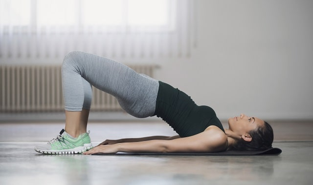 how to tone your glutes and legs at home
