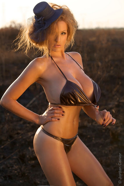 Jordan-Carver-Scorched-HD-photoshoot-and-sexy-hot-picture-1