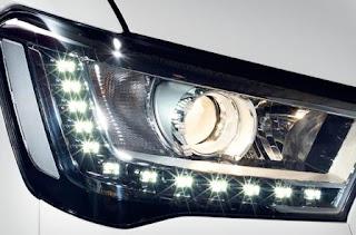 Đèn pha có Led Hyundai Solati