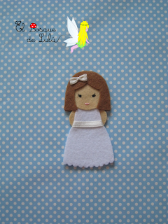 muñeca-comunión-fieltro-elbosquedelulu-hechoamanoparati-regalo-personalizado-detalles-invitados