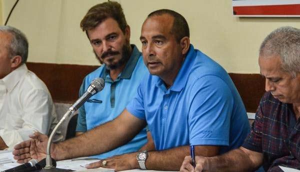 Yovani Aragon, director nacional de la disciplina, comandó la rueda de prensa donde se dieron a conocer los equipos