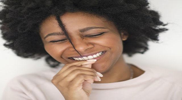 Beaute-astuce-femme-maquillage-noire-coiffure-cheveux-Eyebrow-charme-tissage-LeukSenegal-Dakar-Senegal-Afrique-nappy-cheveux-afro
