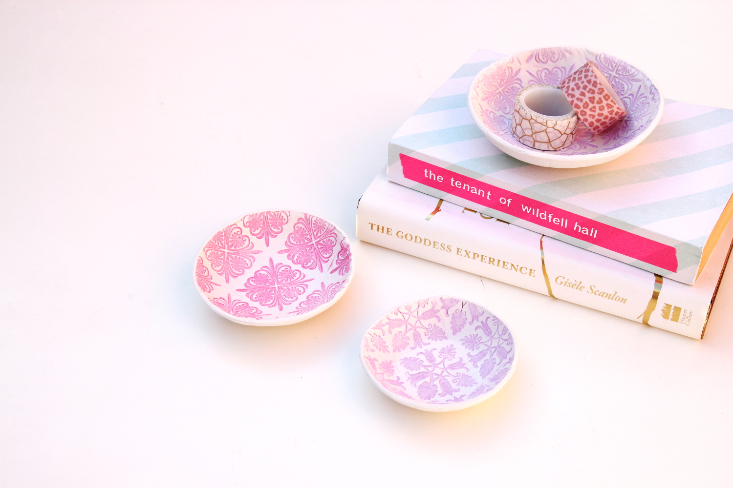 LEARN HOW TO MAKE STAMPED AIR DRY CLAY BOWLS - VIDEO TUTORIAL.
