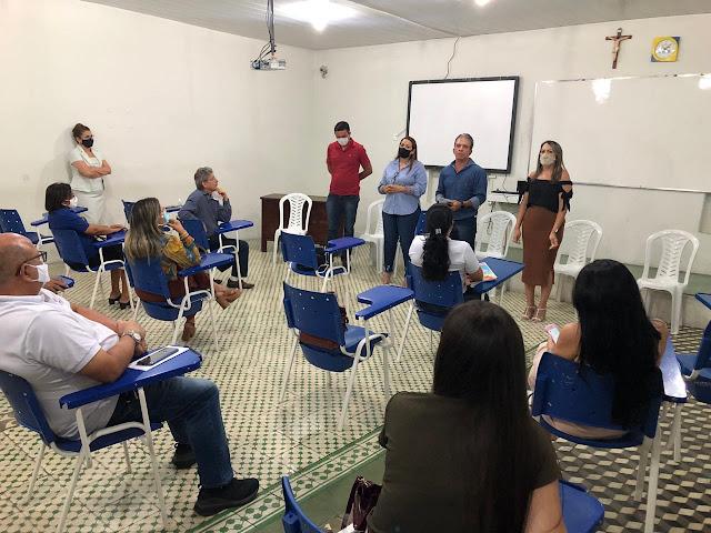 Diretor do Centro Educacional Ágape avalia reunião para retomada das aulas presenciais de forma positiva