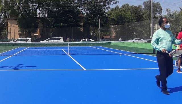 टेनिस कोर्टचे पालकमंत्र्यांच्या हस्ते उद्घाटन  - NNL