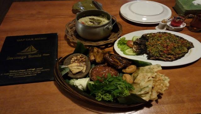 Nasi Liwet Kuliner Darmaga Sunda Resto