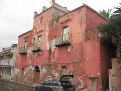 Palazzo nobiliare in vendita a Marina di Caronia, ideale per la creazione di un Centro socio-culturale e ricreativo