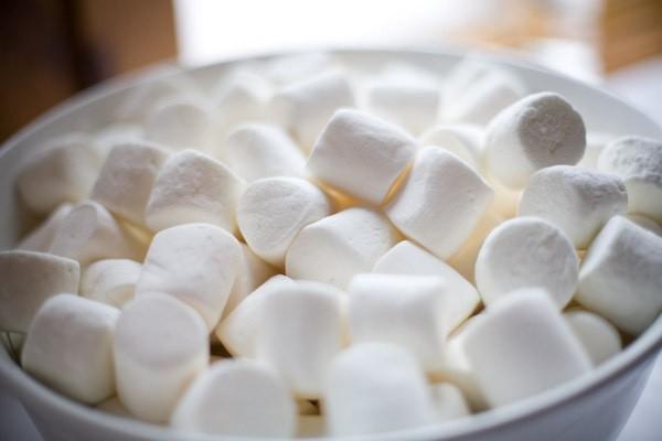 Kẹo dẻo marshmallow và các công dụng với sức khỏe