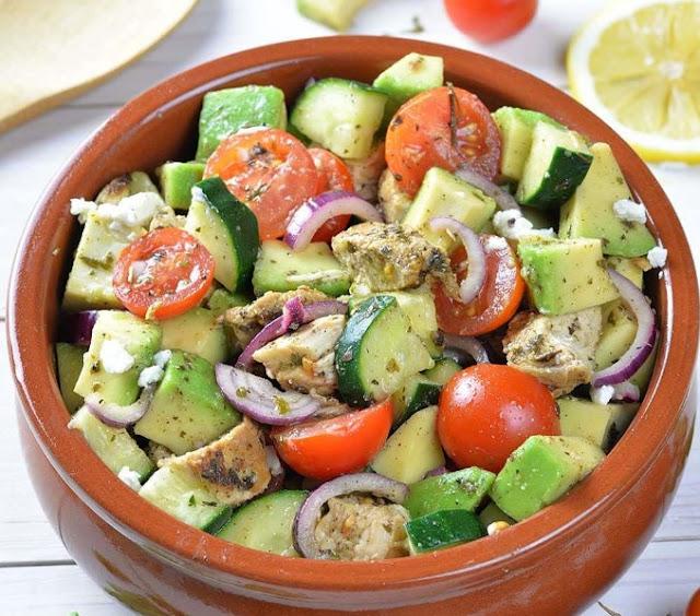 Chicken Cucumber Avocado Salad #healthy #salad