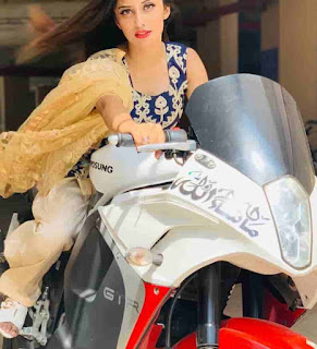 Somya Daundkar With GTR Bike