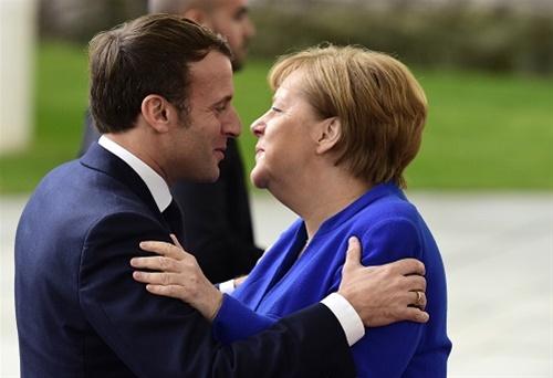 Γάλλοι και Γερμανοί παίρνουν... αποστάσεις από το ΝΑΤΟ