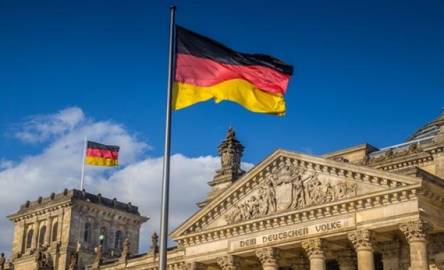 Σε κακοήθη όγκο μετατρέπεται η Γερμανία