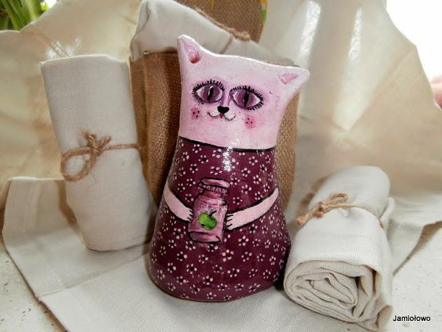 fioletowa kotka wykonana z masy solnej