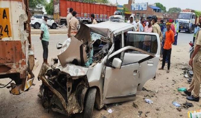 सड़क हादसे में बालिका समेत दो लोगों की मौत, महिला समेत चार लोग घायल
