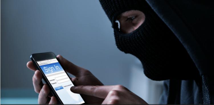 22 علامة على أن هاتفك يتعرض للتجسس