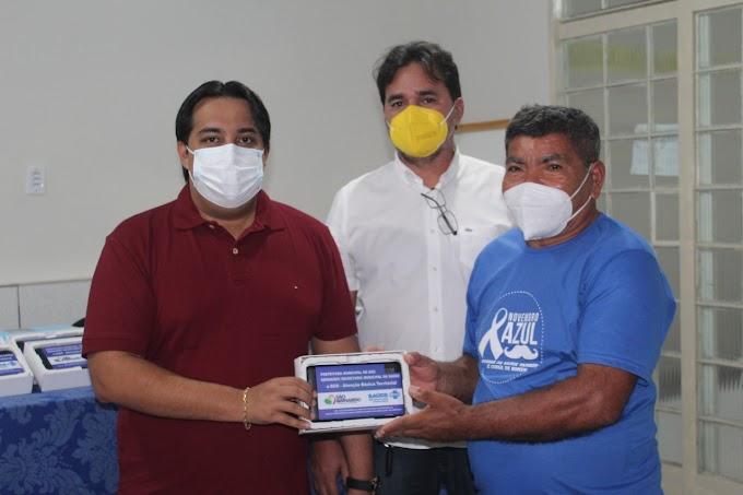 Prefeitura através da Secretaria de Saúde, faz entrega de tablets para Agentes Comunitários de Saúde