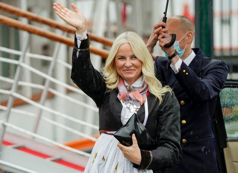 Crown Prince Haakon, Crown Princess Mette Marit, Princess Märtha Louise and Maud Angelica Behnn