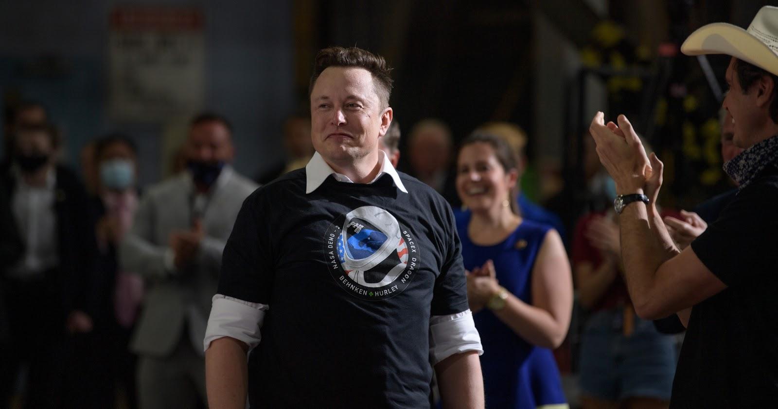 Friends Of Nasa Elon Musk Chief Engineer Of Spacex Nasa