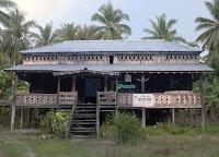 Rumah Adat Turun temurun di Mendalok