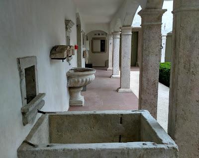 Palazzo Fulcis, il chiostro interno