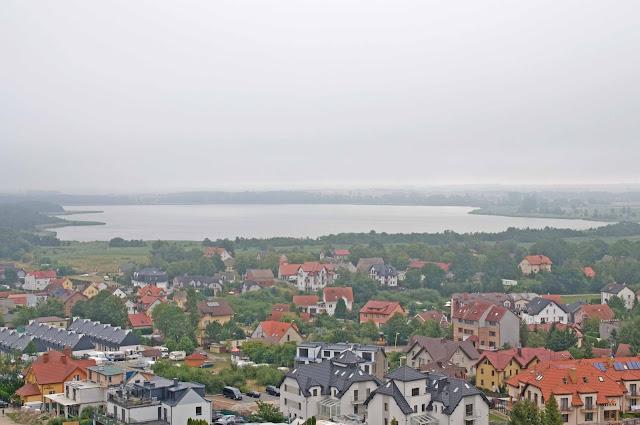 Niechorze, widok na jezioro, panorama miasta i okolicy