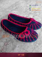 Sepatu rajut motif laba laba dengan kombinasi 2 warna
