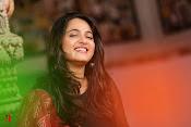 Anushka at Rudramadevi Promotion-thumbnail-9