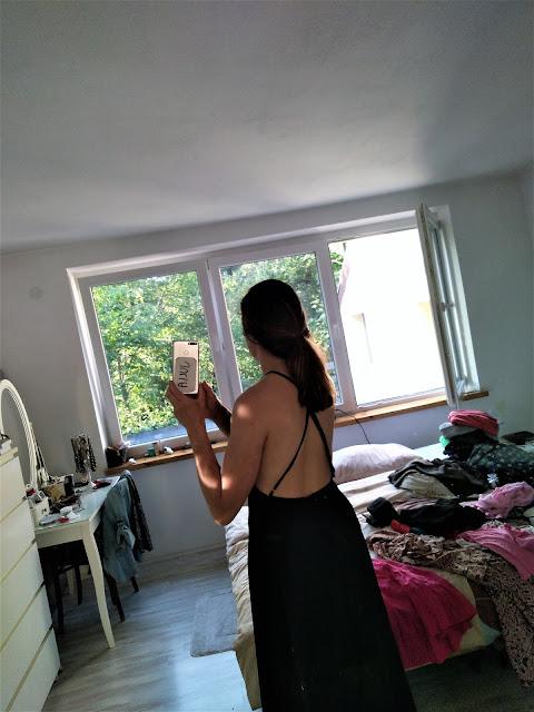 zjawiskowa-czarna-sukienka-przymierza-od