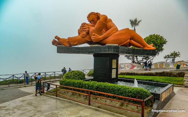 "Escultura ""O Beijo"", Parque do Amor, Miraflores, Lima, Peru"