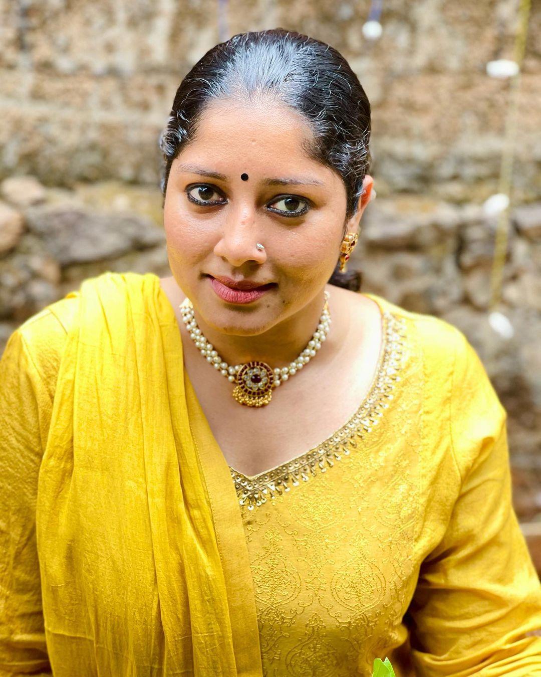 South Indian Actress Anumol Beautiful Photos