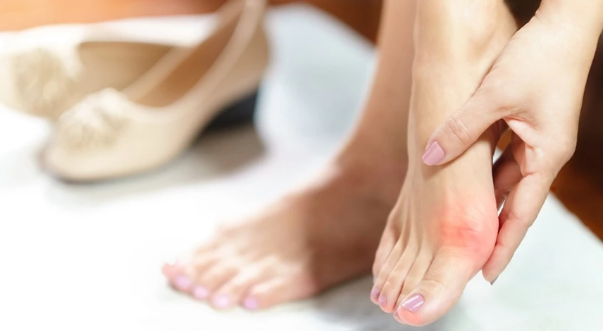 What to do if the bone on the big toe hurts: causes, treatment methods, expert opinion