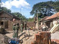 Anggota Kodim 0802/Ponorogo Bangun Rumah Yang Rusak Akibat Gempa Bumi, Wargapun Ucapkan Terima Kasih