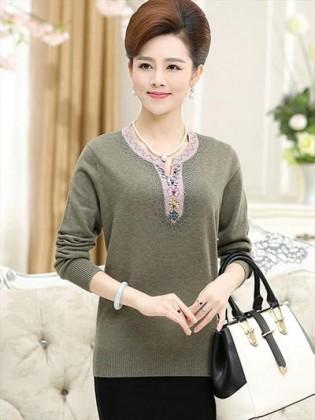 Mẫu áo len nữ trung niên khiến phái đẹp mê mẩn