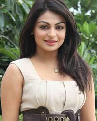Neeru Bajwa Biography Age Height, Profile, Family, Husband, Son, Daughter, Father, Mother, Children, Biodata, Marriage Photos.