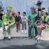 «Βουτιά στη Βυθούπολη»: Στα παρασκήνια της πιο πολύχρωμης παιδικής παράστασης της χρονιάς (video)