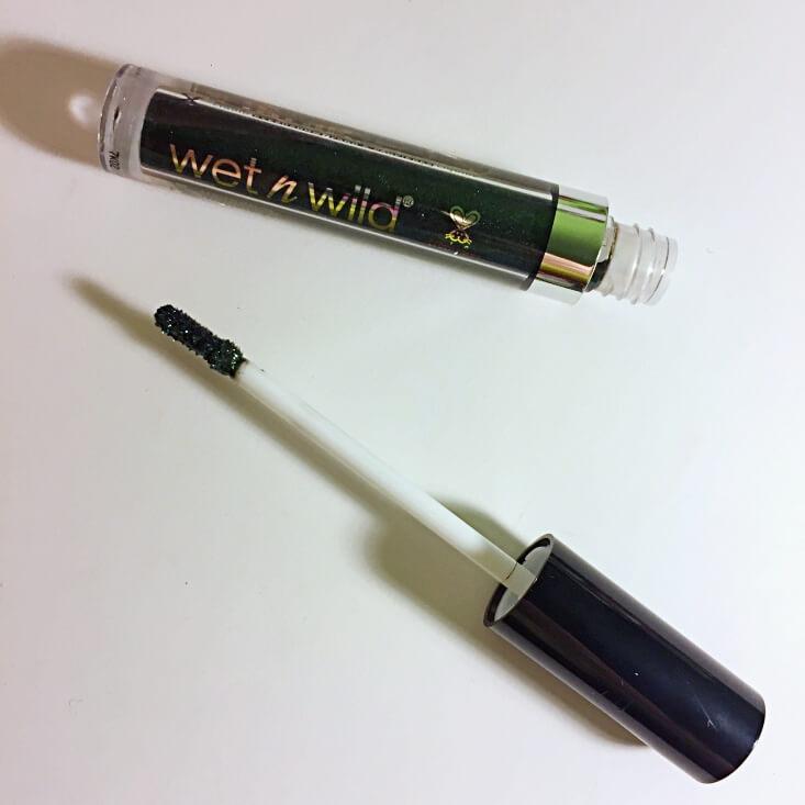 wet n wild megalast Liquid Catsuit Liquid Eyeshadow Emerald Gaze
