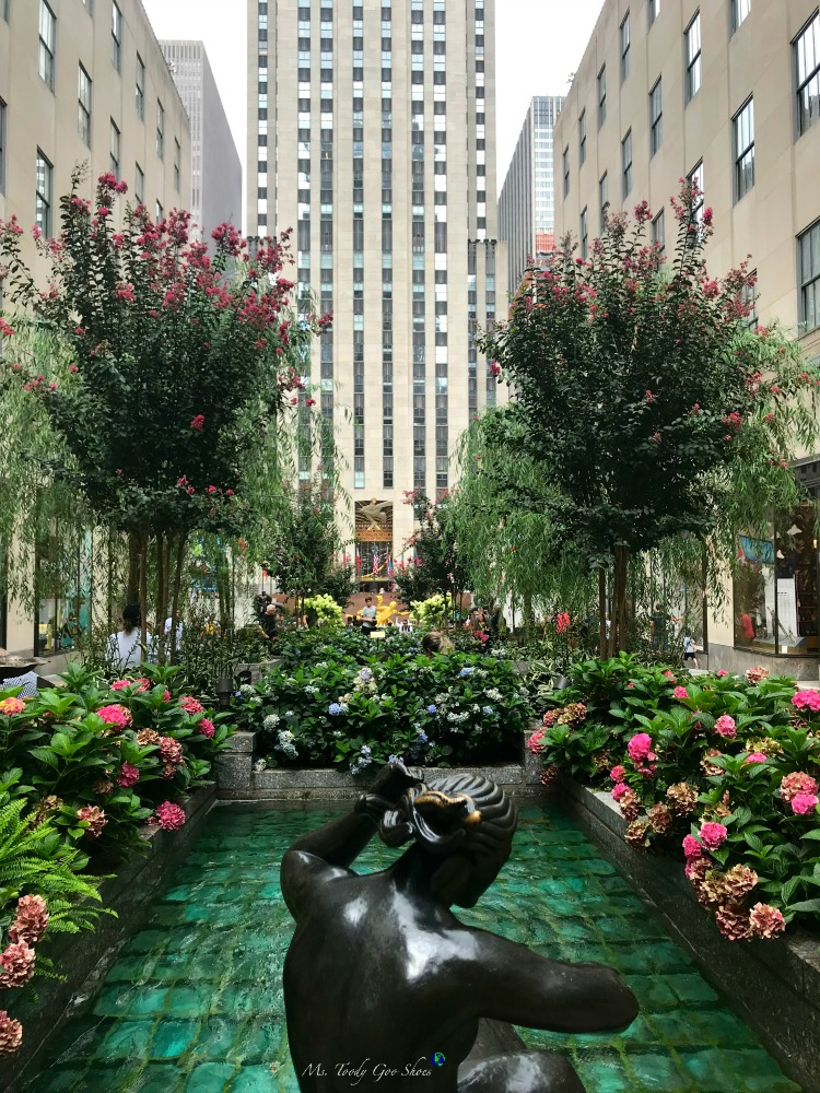 Rockefeller Center NYC | Ms. Toody Goo Shoes