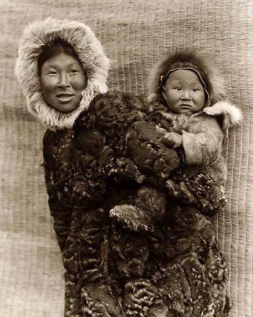how indians became eskimos essay Eskimo people are culturally and biologically distinguishable from neighbouring indigenous groups including american indians and the sami of northern europe clothing, and numerous other manufactured items have entered the culture, and money, unknown in the traditional eskimo economy, has become a necessity.