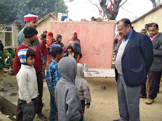 Jaunpur : 222 पंजीकृत बच्चों के सापेक्ष मात्र 9 बच्चे मिलें उपस्थित, डीएम ने दिया यह निर्देश