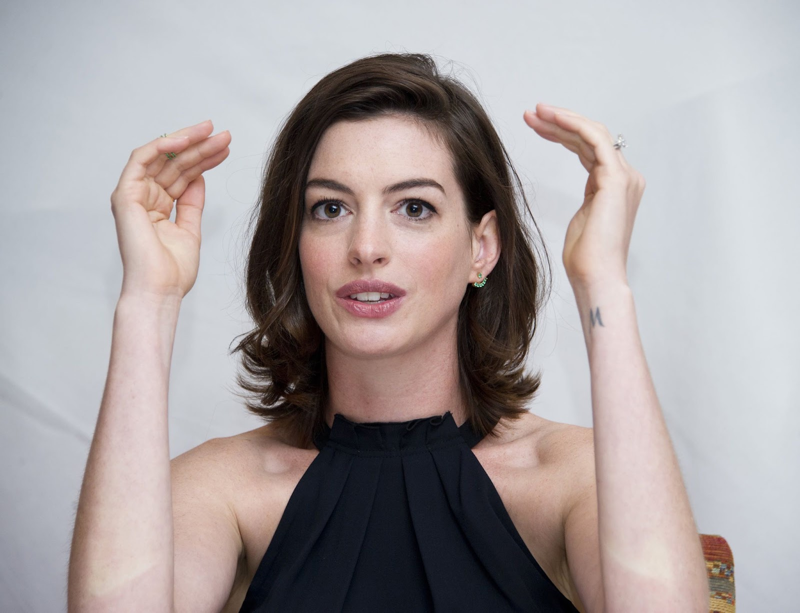 Anne Hathaway Naked Pictures