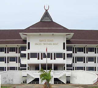 Terkait pemerintahan dan pengelolaan administrasi kedaerahan di Kepulauan Tanimbar