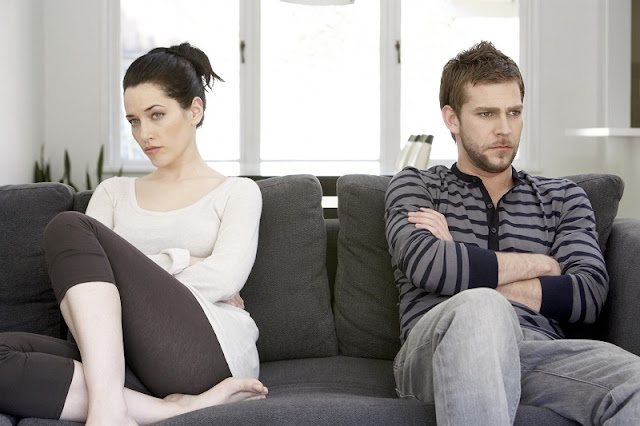 10 Chocking Signs That Often Shows an Unhappy Relationship