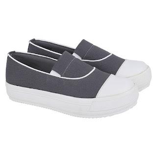 Sepatu Slip On Wanita Catenzo DH 069
