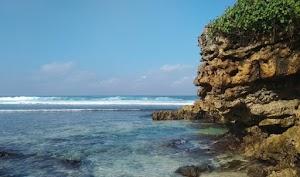 Wisata Pantai Jawa Timur Super Indah Banget