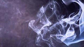 تفسير مشاهدة الدخان في منام المتزوجة