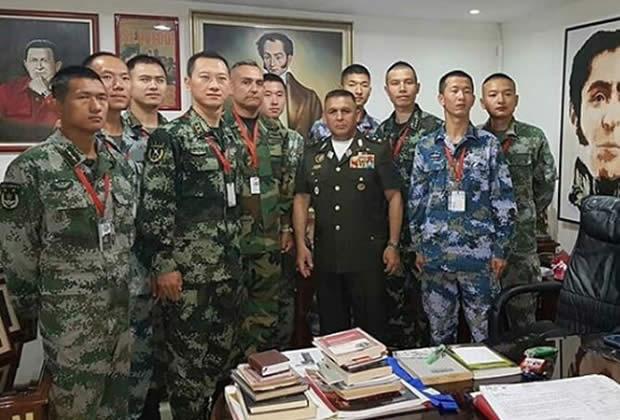 Reaparecen militares chinos en Fuerte Tiuna