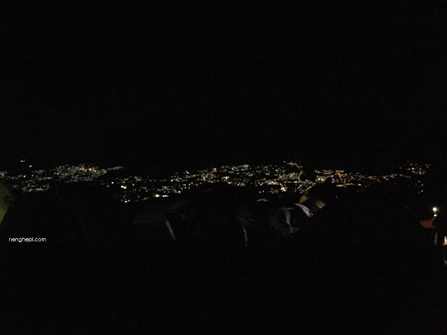 Pemandangan malam dari Puncak Bayangan Gunung Penanggungan